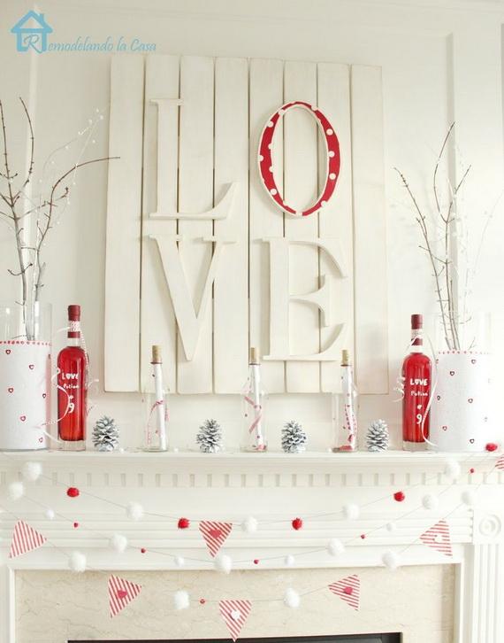 Cool Valentineu0027s Day Mantel Décor Ideas