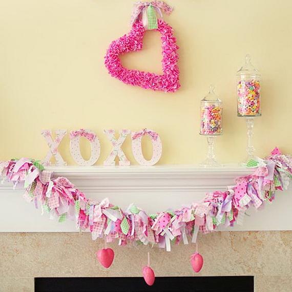 Cool Valentine's Day Mantel Décor Ideas_11