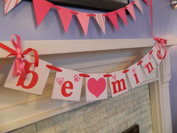 Cool Valentine's Day Mantel Décor Ideas_1