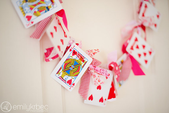 Cool Valentine's Day Mantel Décor Ideas_2