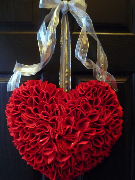 Cool Valentine's Day Wreath Ideas for 2014_14