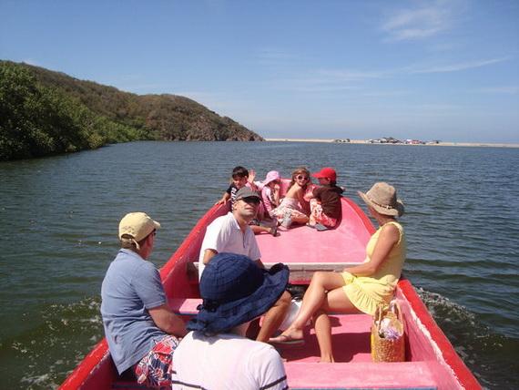 Las Alamandas , Mexico Introduces Valentine's Day _89