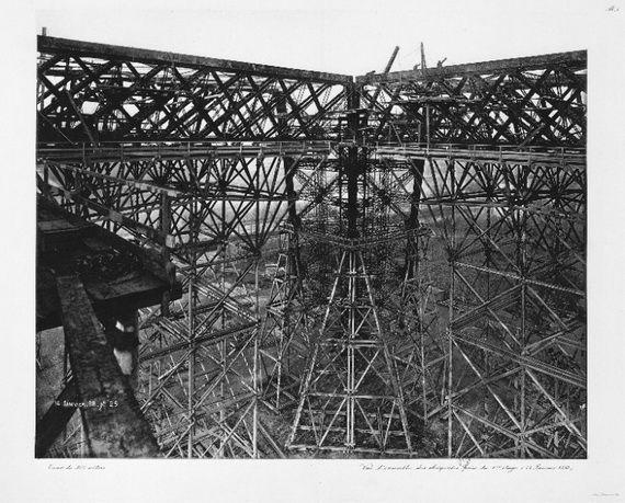 A Family-Friendly City Break  in  Paris Eiffel Tower  _10