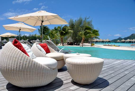 Best-Overwater-Bungalows-In-Tahiti-Le-Meridien-Bora-Bora-_23