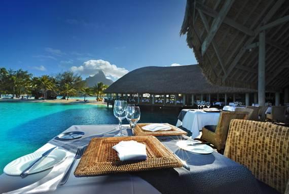 Best-Overwater-Bungalows-In-Tahiti-Le-Meridien-Bora-Bora-_24
