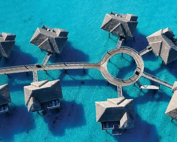 Best-Overwater-Bungalows-In-Tahiti-Le-Meridien-Bora-Bora-_33