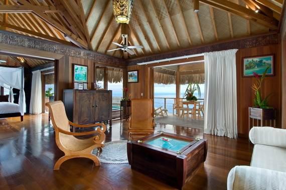 Best-Overwater-Bungalows-In-Tahiti-Le-Meridien-Bora-Bora-_36