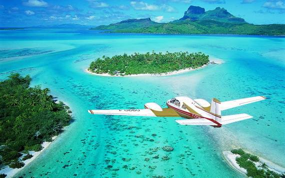 Best-Overwater-Bungalows-In-Tahiti-Le-Meridien-Bora-Bora-_54
