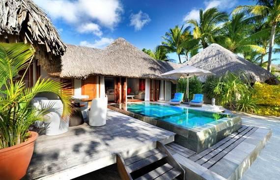 Best-Overwater-Bungalows-In-Tahiti-Le-Meridien-Bora-Bora-_59