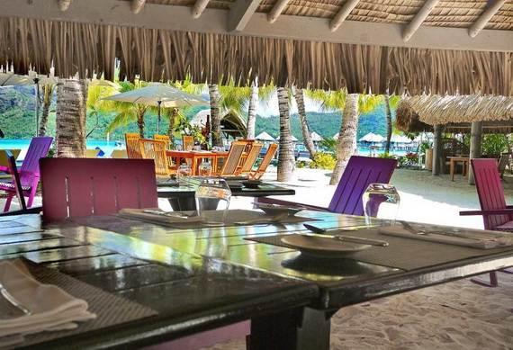 Best-Overwater-Bungalows-In-Tahiti-Le-Meridien-Bora-Bora-_65