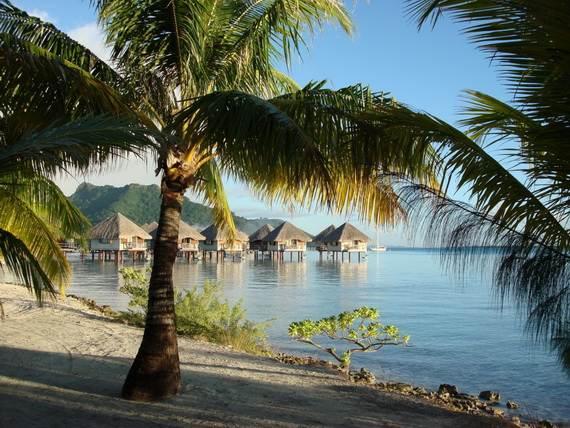 Best-Overwater-Bungalows-In-Tahiti-Le-Meridien-Bora-Bora-_69