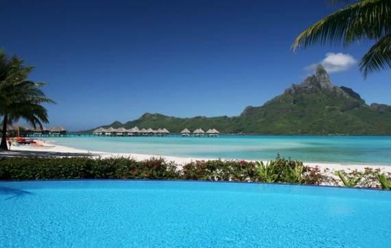 Best-Overwater-Bungalows-In-Tahiti-Le-Meridien-Bora-Bora-_70