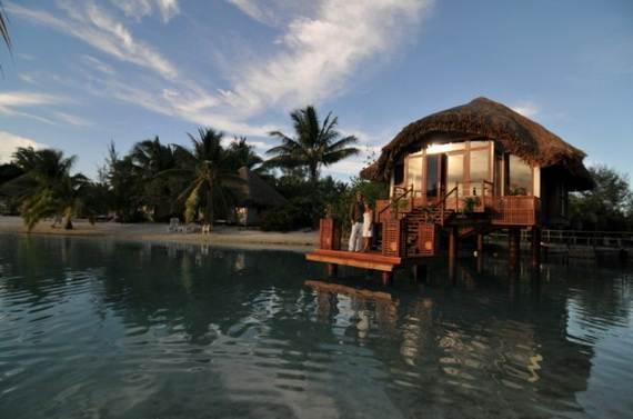 Best-Overwater-Bungalows-In-Tahiti-Le-Meridien-Bora-Bora-_72