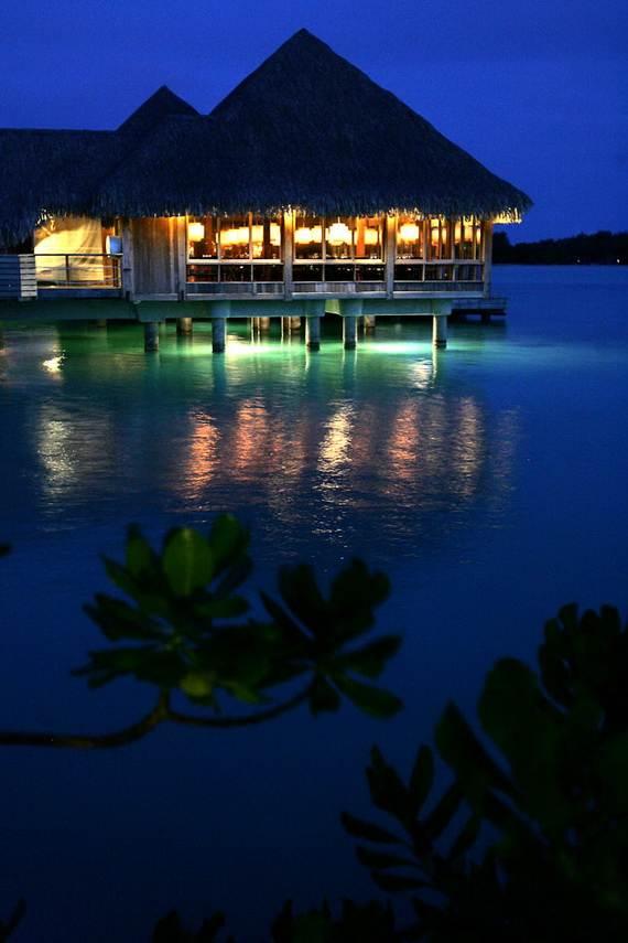 Best-Overwater-Bungalows-In-Tahiti-Le-Meridien-Bora-Bora-_78