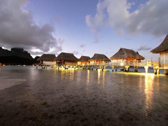 Best-Overwater-Bungalows-In-Tahiti-Le-Meridien-Bora-Bora-_80