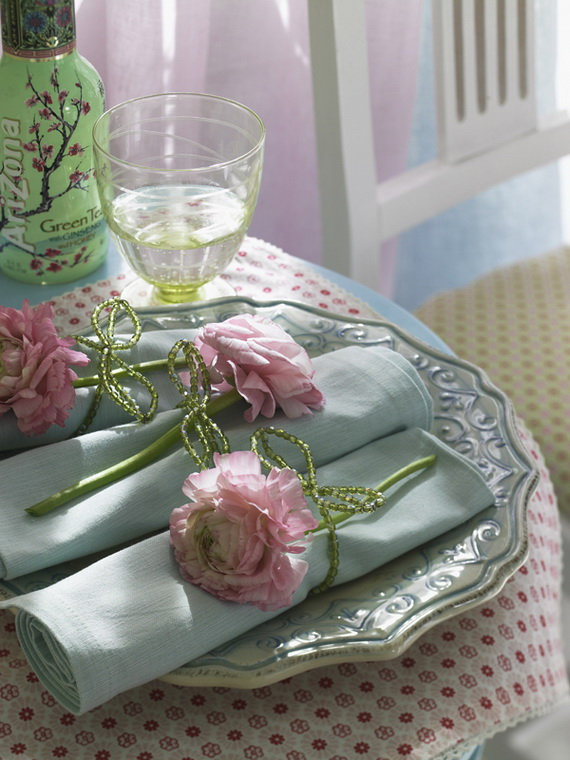 Celebrate Easter With Fresh Spring Decorating Ideas_31