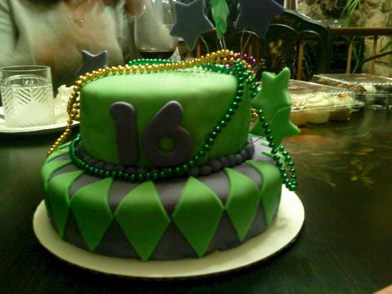 Mardi Gras King Cake Ideas_47
