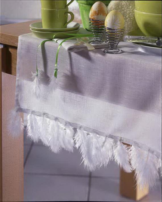 Federn: Tischdecke