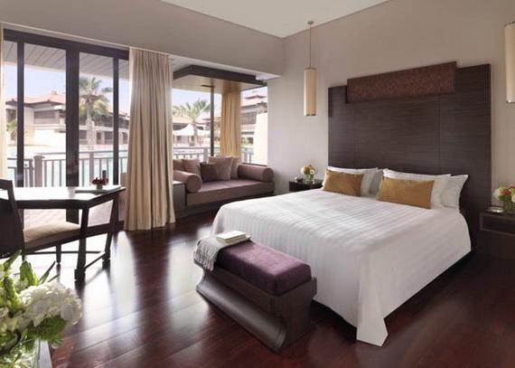 Anantara_Dubai_The_Palm_Resort_Deluxe_Lagoon_Access_Room_Bedroom