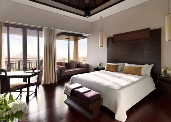 Anantara_Dubai_The_Palm_Resort_Deluxe_Lagoon_View_Room_Bedroom