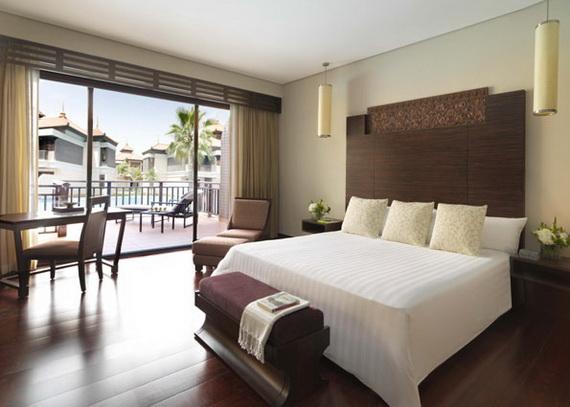Anantara_Dubai_The_Palm_Resort_Premier_Lagoon_Access_Room_Bedroom