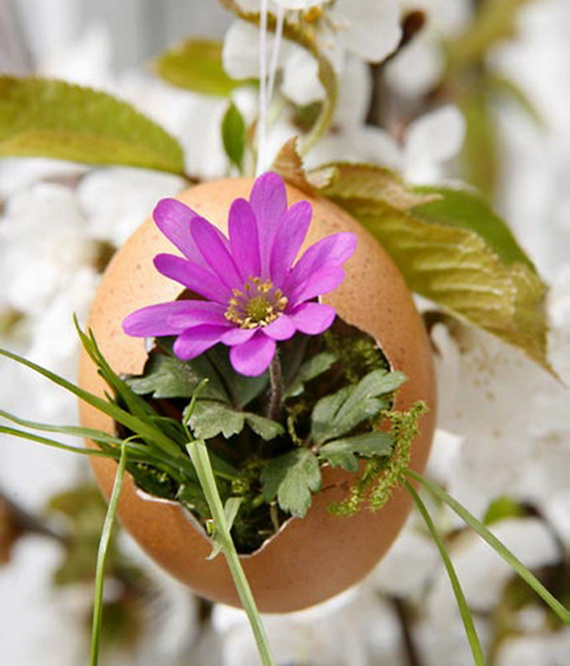 Creative Ways to Decorate With Easter Eggs_23