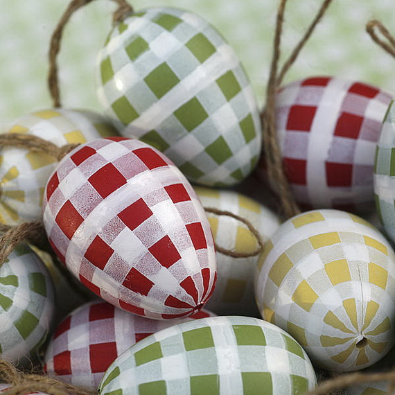 Creative Ways to Decorate With Easter Eggs_38