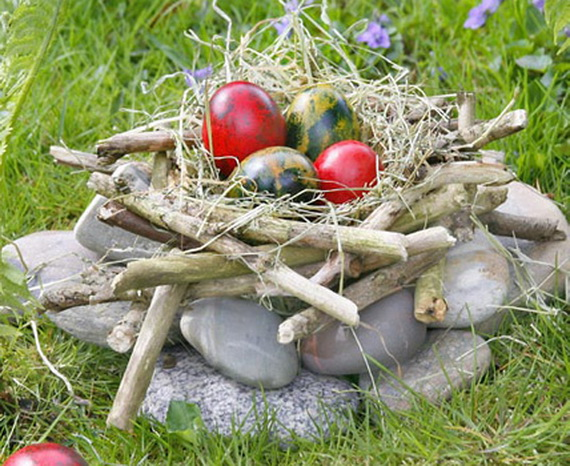 Creative Ways to Decorate With Easter Eggs_46