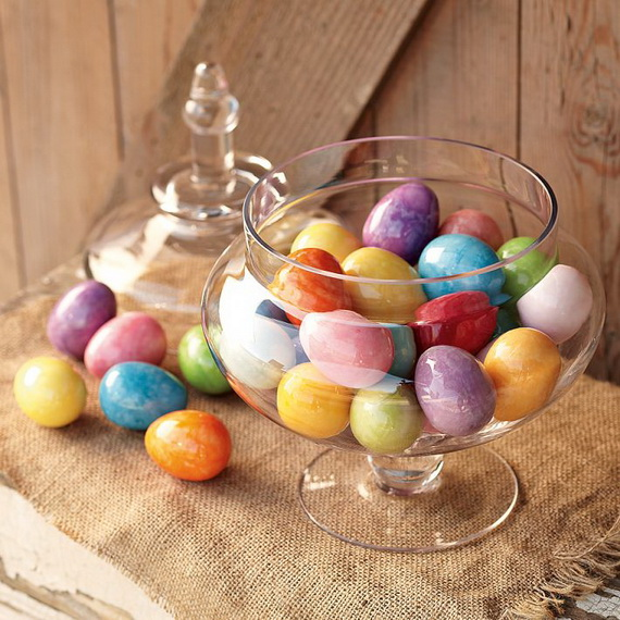 Creative Ways to Decorate With Easter Eggs_55