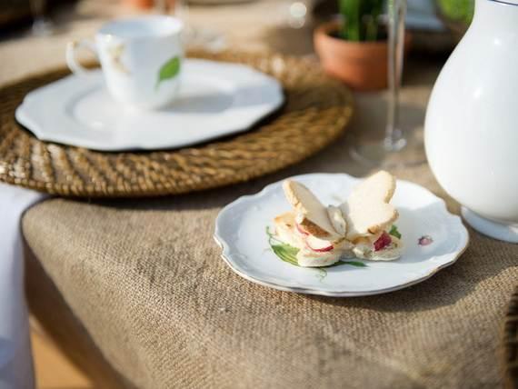 30-Cool-Mother's-Day-Tea-Table-Décor-Ideas_18