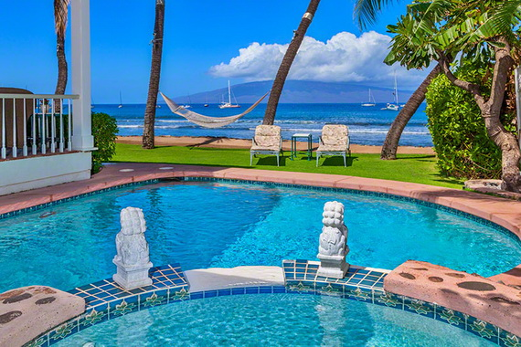 Jewel Of Hawaiian Lahaina Oceanfront Estate In Maui Offers Luxury At Its Best_25
