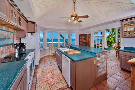 Jewel Of Hawaiian Lahaina Oceanfront Estate In Maui Offers Luxury At Its Best_32