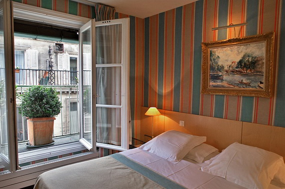 Let The Good Times Roll At the Cambon Hotel In France; Ile-de-France; Paris _17