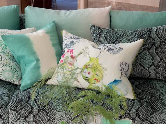 Modern-Bedding-Sets-and-Romantic-Ideas-for-Mothers-Day-Gift-_15-3