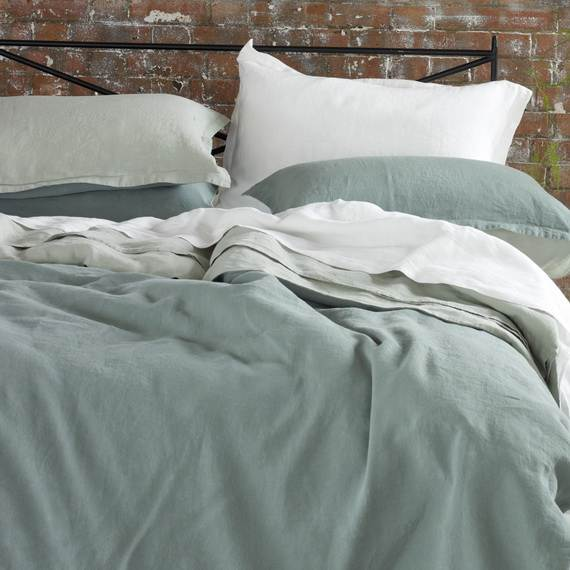Modern-Bedding-Sets-and-Romantic-Ideas-for-Mothers-Day-Gift-_2