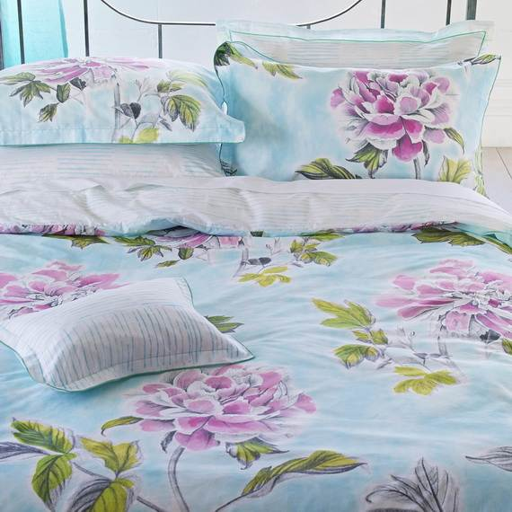 Modern-Bedding-Sets-and-Romantic-Ideas-for-Mothers-Day-Gift-_4