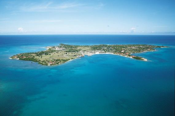 Sea Breeze Amazing Caribbean Rental Villa At Jumby Bay Featuring Exceptional Panoramas_36