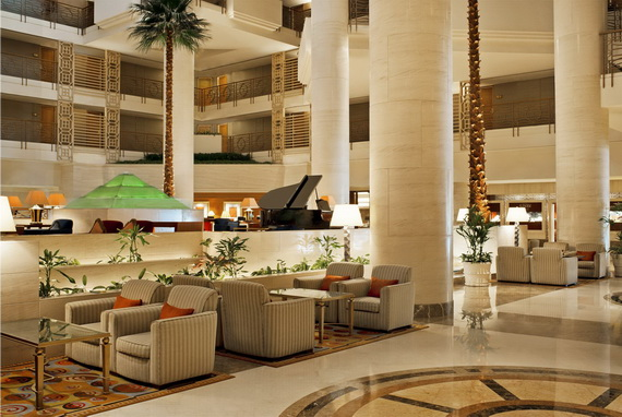 Spend A Luxury  Holiday In Sheraton Dubai Creek Hotel & Towers  _01 (2)