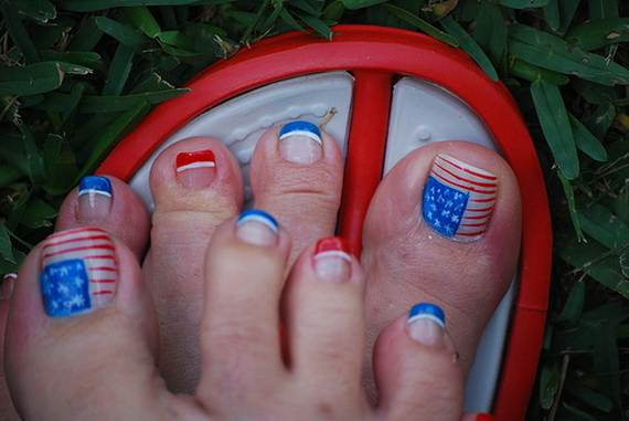 Amazing-Patriotic-Nail-Art-Designs-Ideas_08 - 40 Amazing Patriotic Nail Art Designs & Ideas For The 4th Of July On