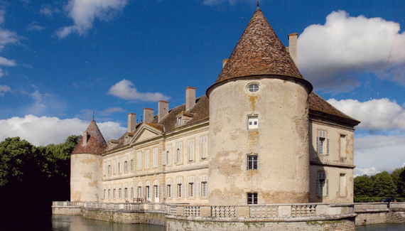 C18th Burgundy Chateau a Charming Hotel in Bourgogne France_06