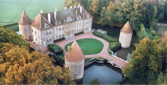 C18th Burgundy Chateau a Charming Hotel in Bourgogne France_08