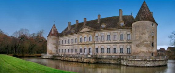 C18th Burgundy Chateau a Charming Hotel in Bourgogne France_17