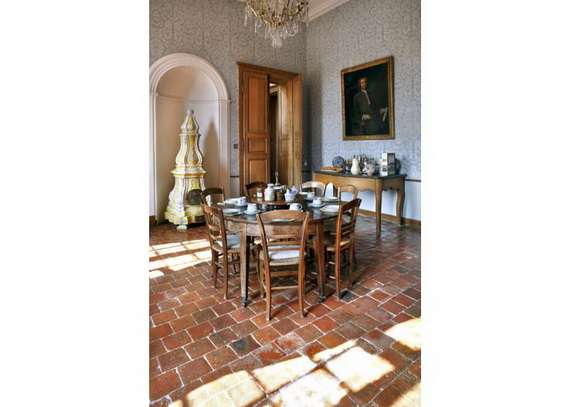 C18th Burgundy Chateau a Charming Hotel in Bourgogne France_24