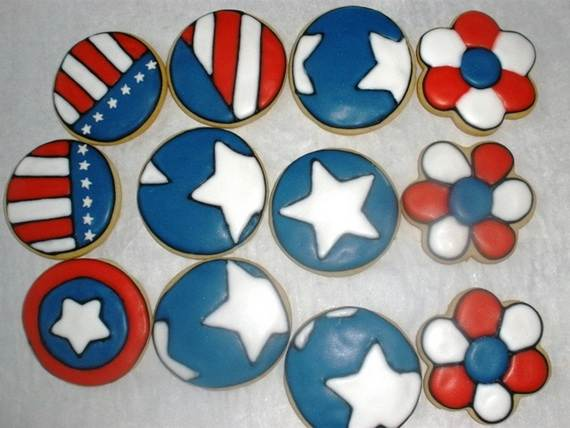Spectacular Red, Blue, and White Cupcake Decorating Ideas (6)