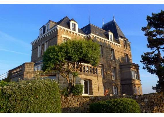 chateau-du-moulin-15-astonishing-historical-villa-overlooking-st-malo-29