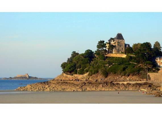 chateau-du-moulin-15-astonishing-historical-villa-overlooking-st-malo-30