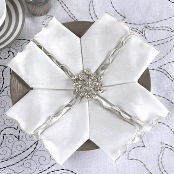 Creative Napkin Folds for Your Holiday Table (22)