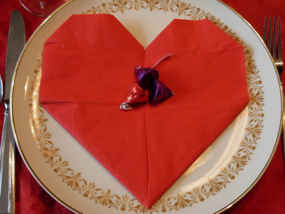 Creative Napkin Folds for Your Holiday Table (31)