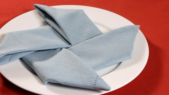 Creative Napkin Folds for Your Holiday Table (37)