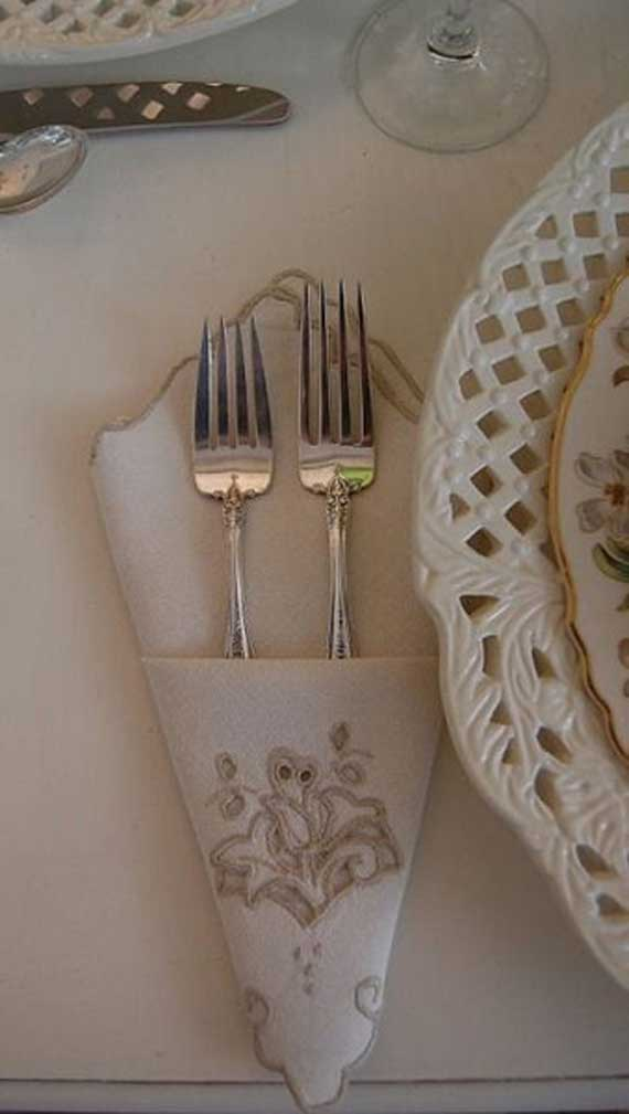 Creative Napkin Folds for Your Holiday Table (41)